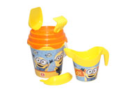 KANTICA-SET-ZALIVALKA-MINION-MADE-FI-17CM-28131
